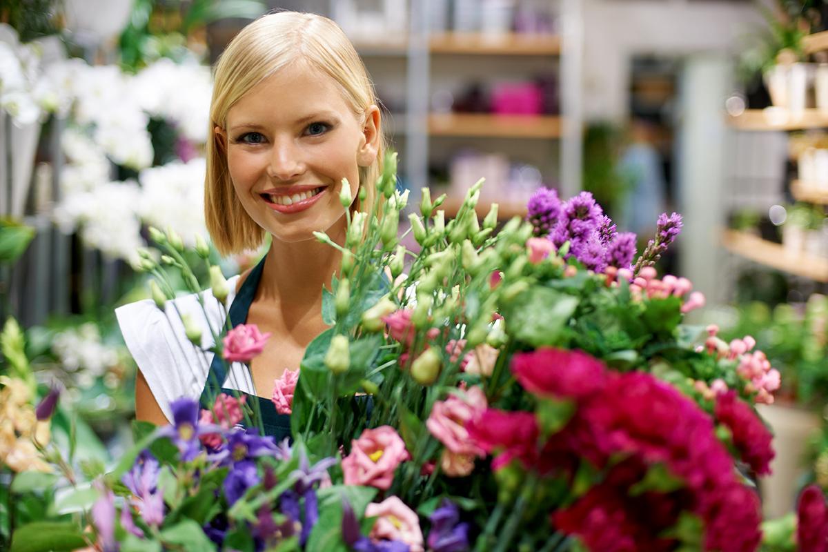 Персонал цветочного магазина - флорист