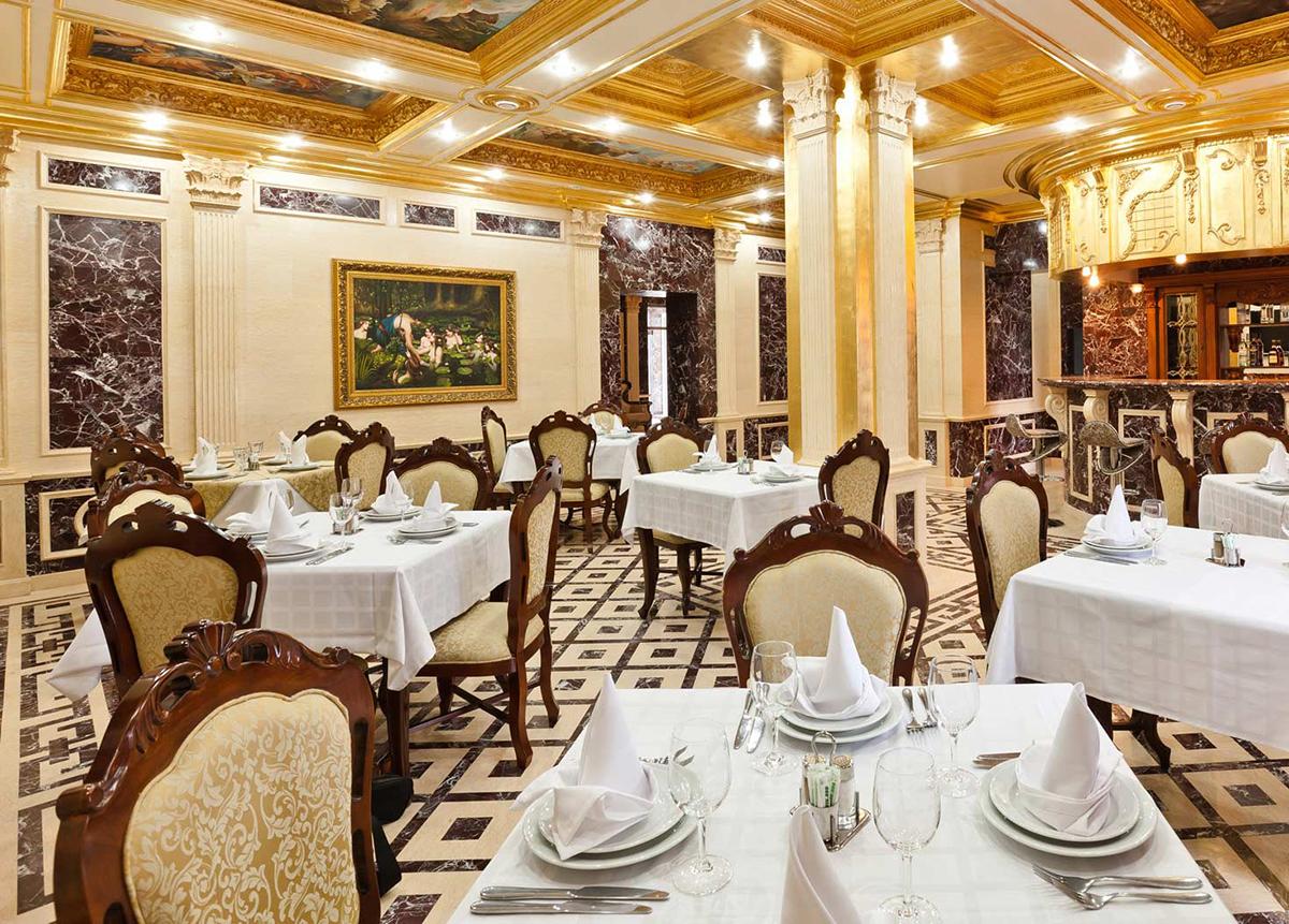 Интерьер помещения ресторана