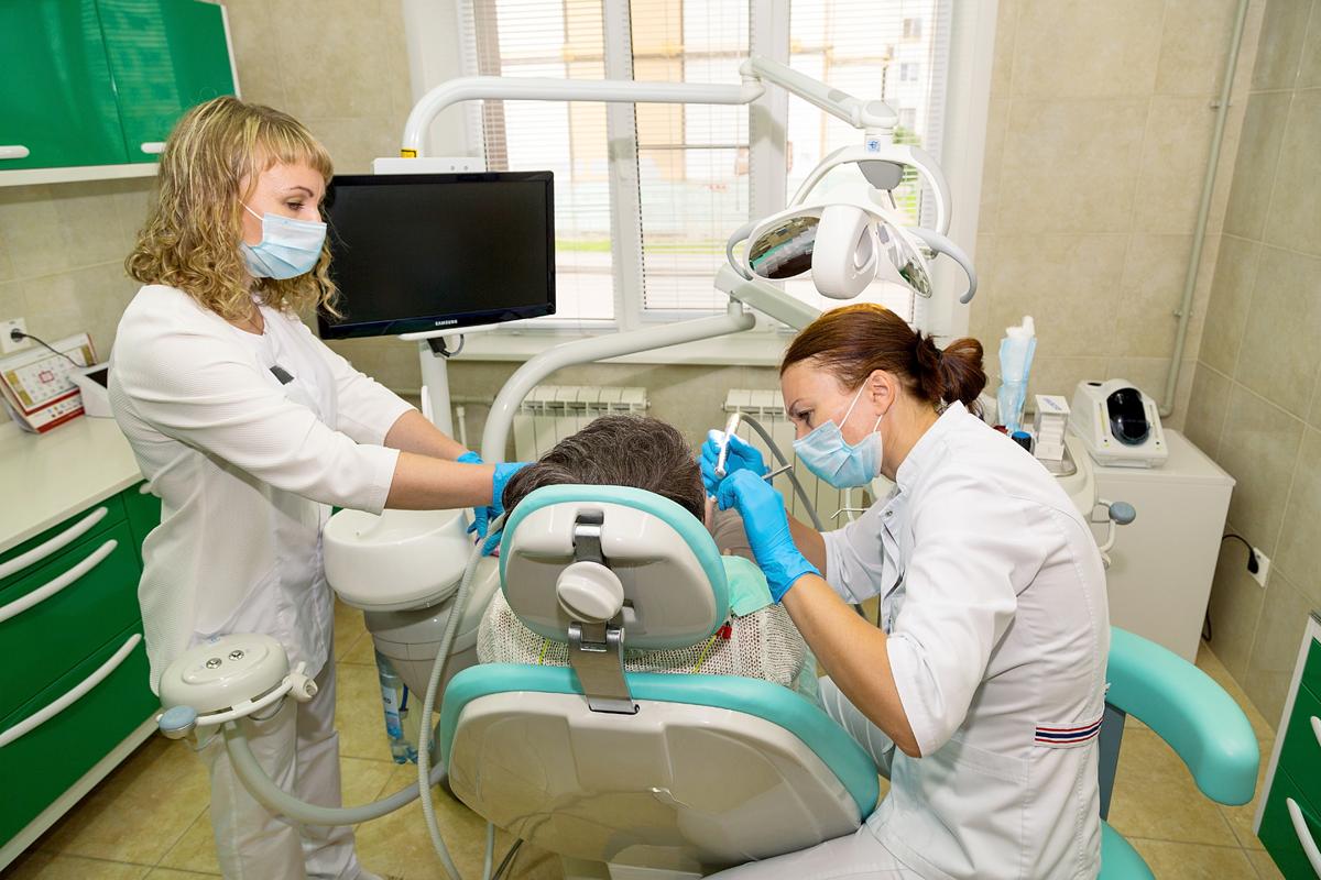 Работа стоматологов